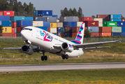 Rare visit of Go2Sky 737 to Porto title=