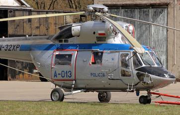 SN-32XP - Poland - Police PZL W-3 Sokol