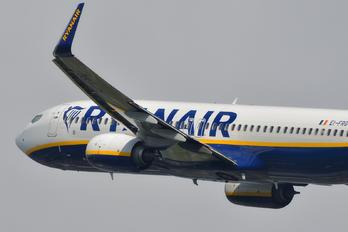 EI-FRG - Ryanair Boeing 737-8AS
