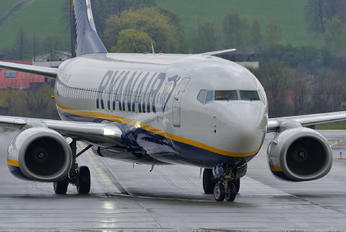 EI-FRG - Ryanair Boeing 737-800