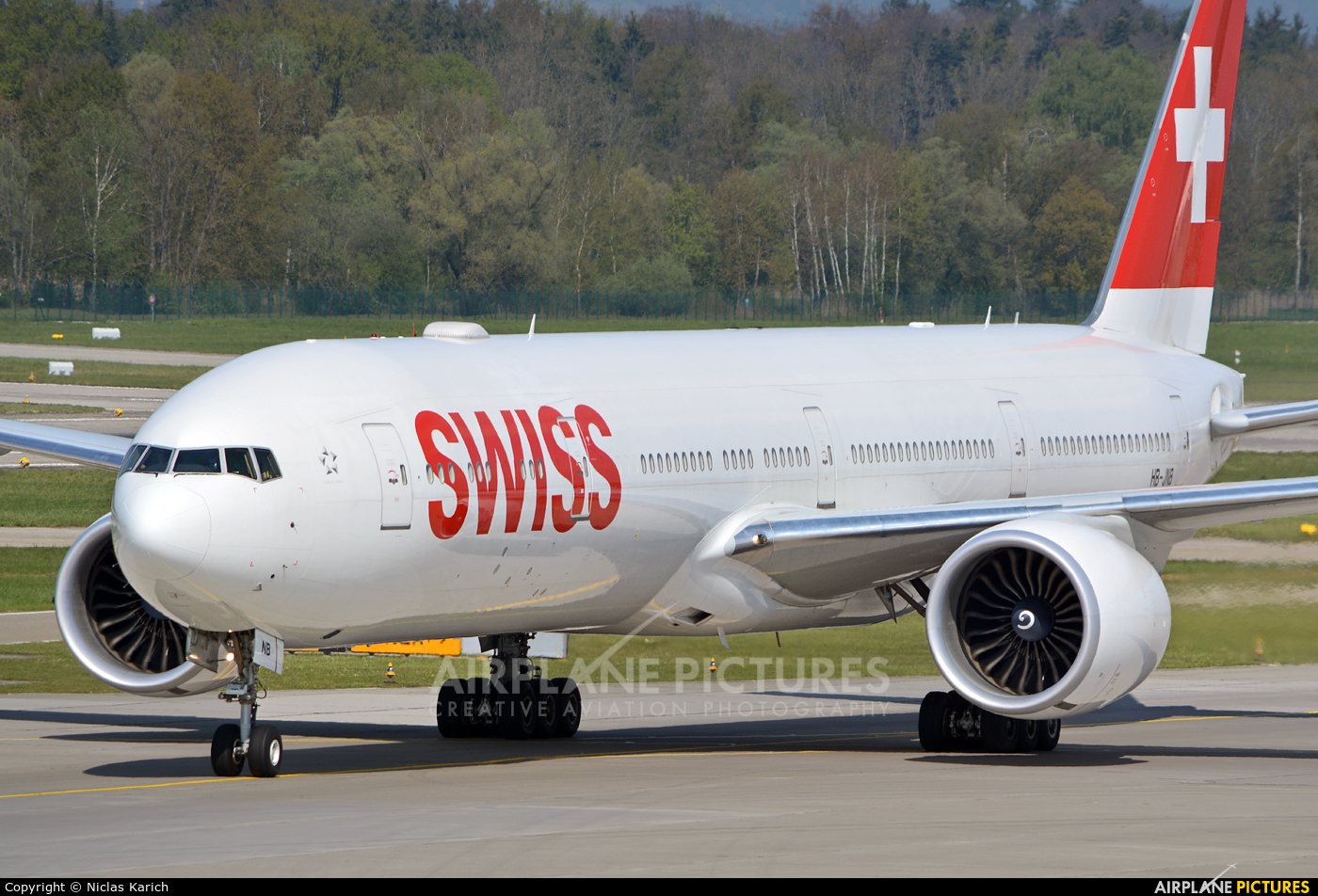 Swiss HB-JNB aircraft at Zurich