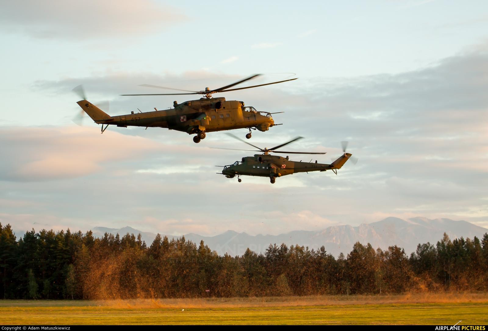 Poland - Army 457 aircraft at Nowy Targ