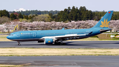 VN-A375 - Vietnam Airlines Airbus A330-200