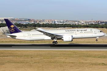 HZ-ARF - Saudi Arabian Airlines Boeing 787-9 Dreamliner