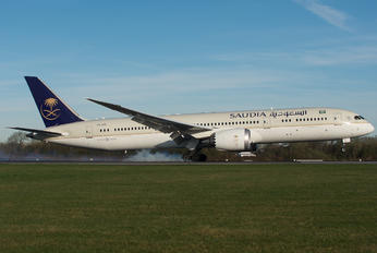 HZ-ARC - Saudi Arabian Airlines Boeing 787-9 Dreamliner