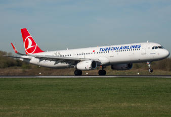 TC-JTM - Turkish Airlines Airbus A321