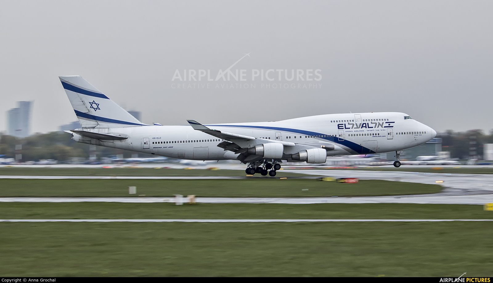 El Al Israel Airlines 4X-ELC aircraft at Warsaw - Frederic Chopin