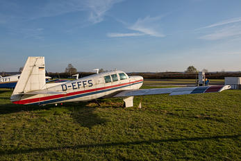 D-EFFS - Private Mooney M20F