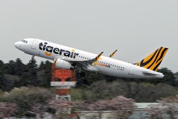B-50015 - Tigerair Taiwan Airbus A320