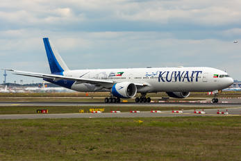 9K-AOE - Kuwait Airways Boeing 777-300ER