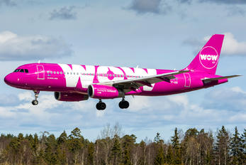 TF-SIS - WOW Air Airbus A320
