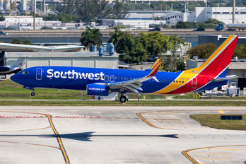 N8679A - Southwest Airlines Boeing 737-800