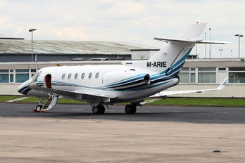 M-ARIE - Private Hawker Beechcraft 800XP