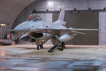 4072 - Poland - Air Force Lockheed Martin F-16D Jastrząb
