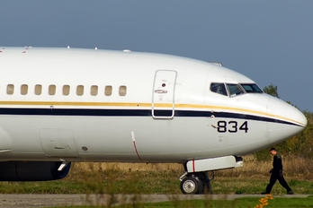 165834 - USA - Navy Boeing C-40A Clipper