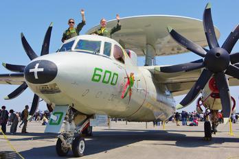 165812 - USA - Navy Grumman E-2C Hawkeye