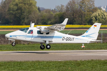 D-GGUT - Private Tecnam P2006T