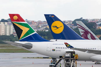 ZS-SXJ - South African Airways Airbus A330-300
