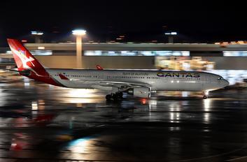 VH-QPJ - QANTAS Airbus A330-300