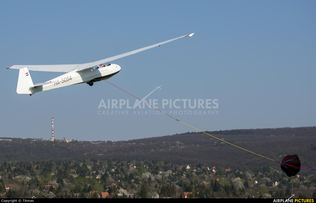 Private HA-5054 aircraft at Farkashegy