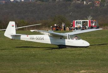 HA-5054 - Private Schleicher K-7