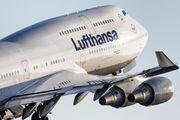 D-ABVW - Lufthansa Boeing 747-400 aircraft