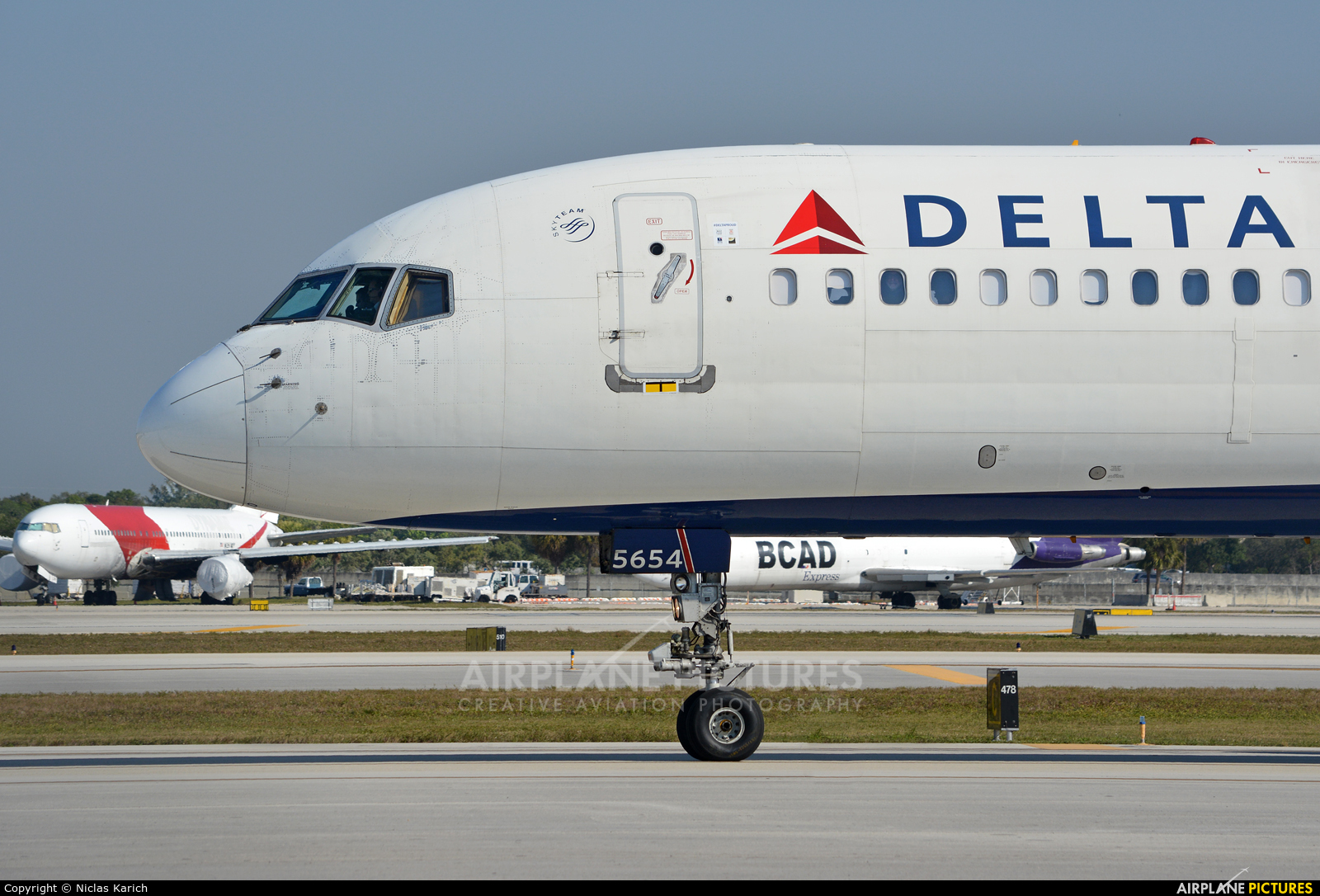 Delta Air Lines N554NW aircraft at Fort Lauderdale - Hollywood Intl