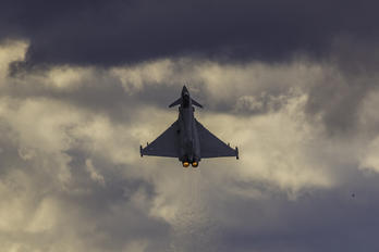 ZJ811 - Royal Air Force Eurofighter Typhoon T.3