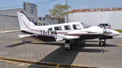 TG-EMM - Private Piper PA-34 Seneca
