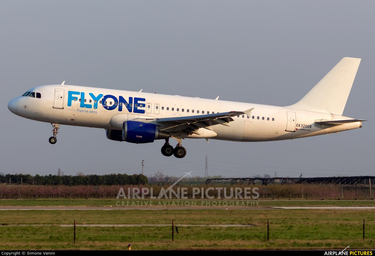 FlyOne EK32008 aircraft at Verona - Villafranca