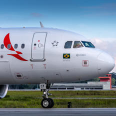 PR-OCT - Avianca Brasil Airbus A320