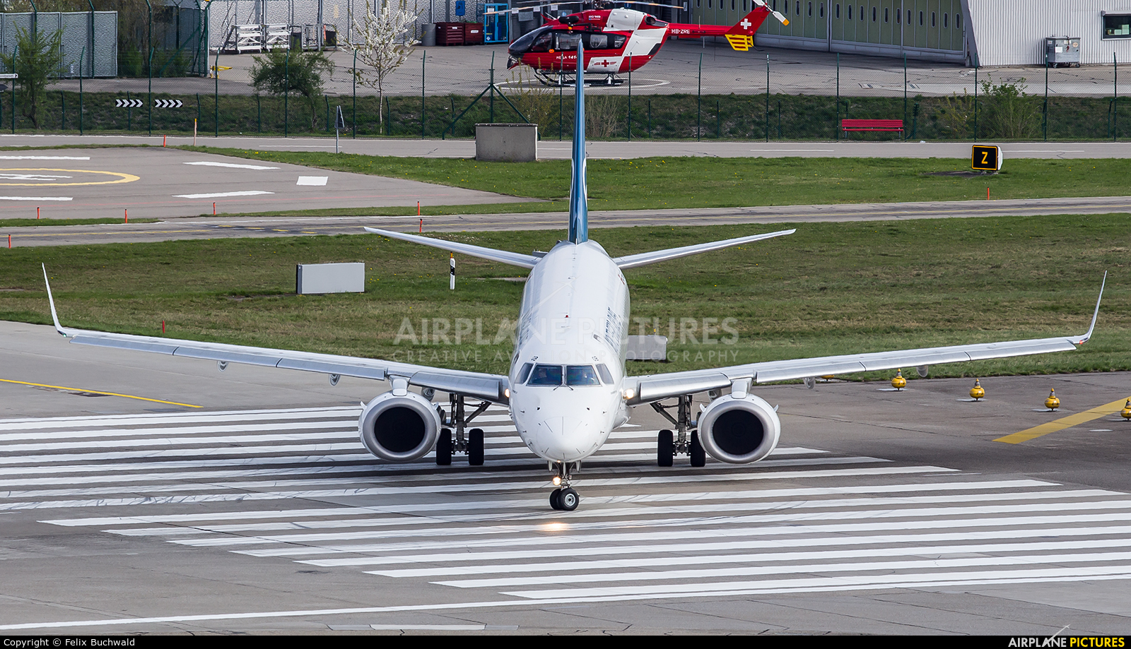 Montenegro Airlines 40-AOB aircraft at Zurich