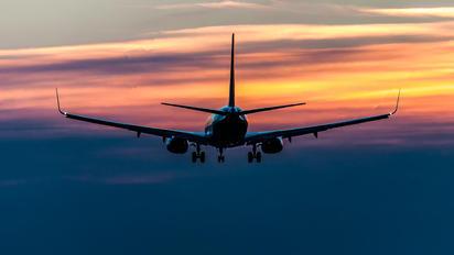 EI-FIZ - Ryanair Boeing 737-800