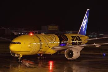 JA743A - ANA - All Nippon Airways Boeing 777-200