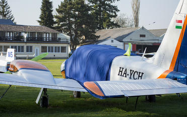 HA-YCH - Private Piper PA-34 Seneca