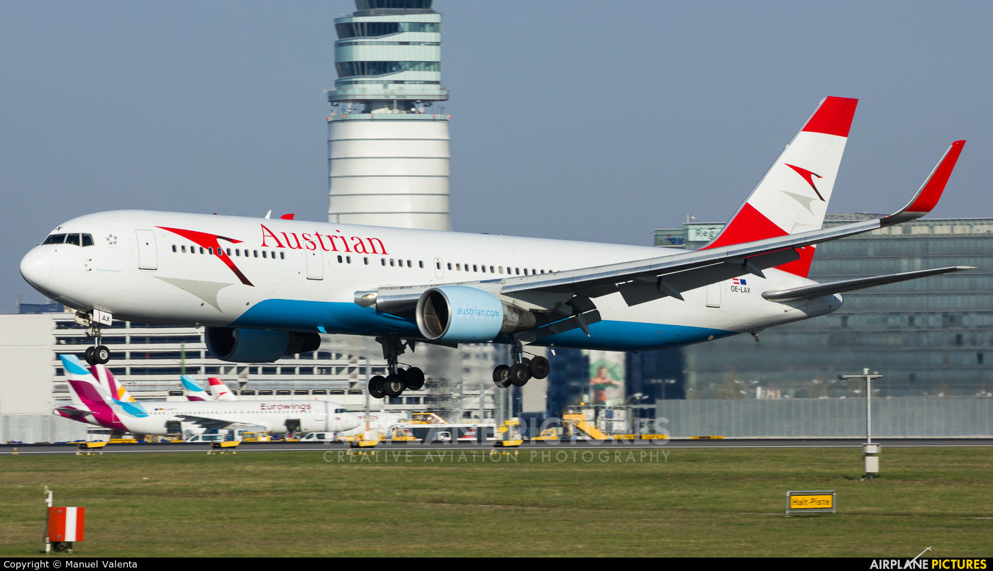 Austrian Airlines/Arrows/Tyrolean OE-LAX aircraft at Vienna - Schwechat