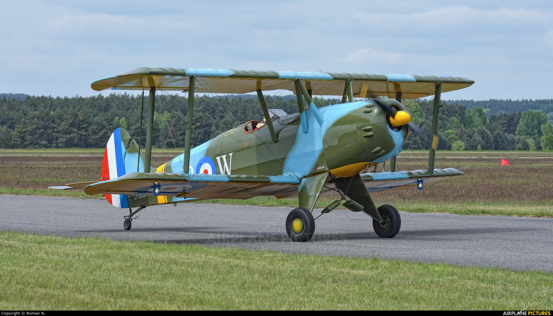 Private D-MLBW aircraft at Piła