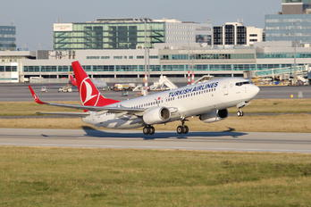 TC-JGC - Turkish Airlines Boeing 737-800