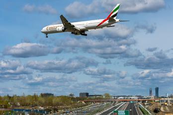 A6-EBR - Emirates Airlines Boeing 777-300ER