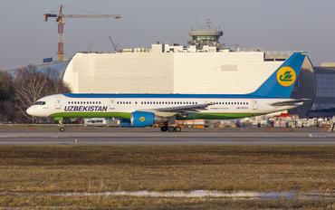 UK75701 - Uzbekistan Airways Boeing 757-200