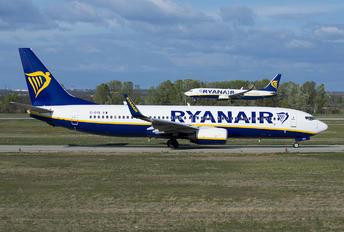 EI-DYE - Ryanair Boeing 737-800