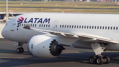 CC-BGK - LATAM Boeing 787-9 Dreamliner