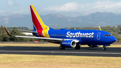 N7727A - Southwest Airlines Boeing 737-700