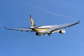 9V-SSC - Singapore Airlines Airbus A330-300