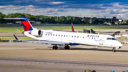 N759EV - Delta Connection - Express Jet Airlines Canadair CL-600 CRJ-700