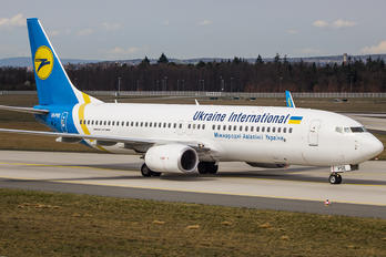 UR-PSE - Ukraine International Airlines Boeing 737-800