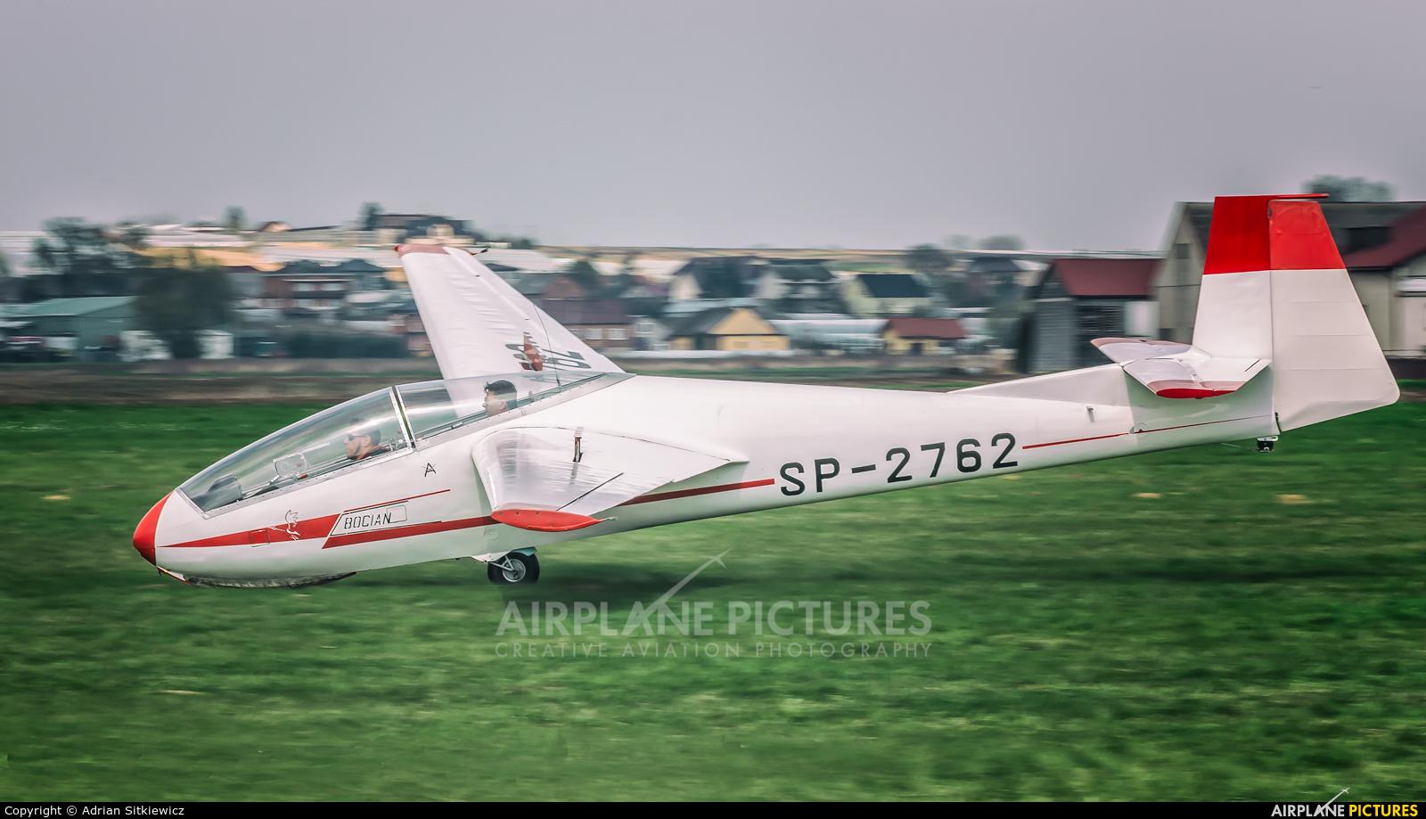 Aeroklub Krakowski SP-2762 aircraft at Kraków - Pobiednik Wielki