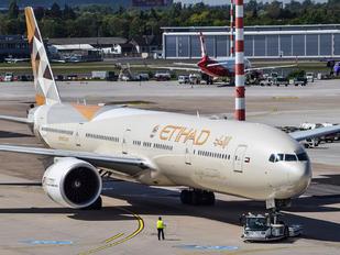 A6-ETC - Etihad Airways Boeing 777-300ER