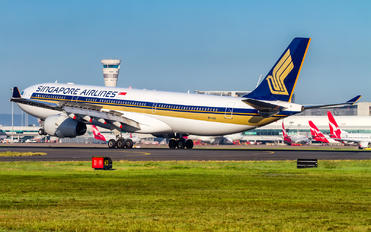 9V-SSH - Singapore Airlines Airbus A330-300