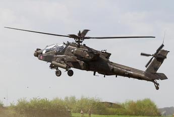 04-05444 - USA - Army Boeing AH-64D Apache